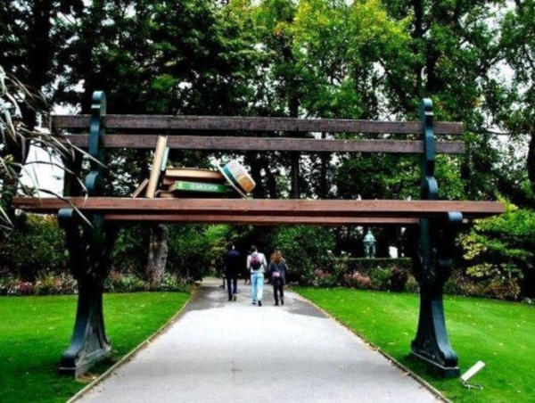 3. A giant bench in Nantes, France