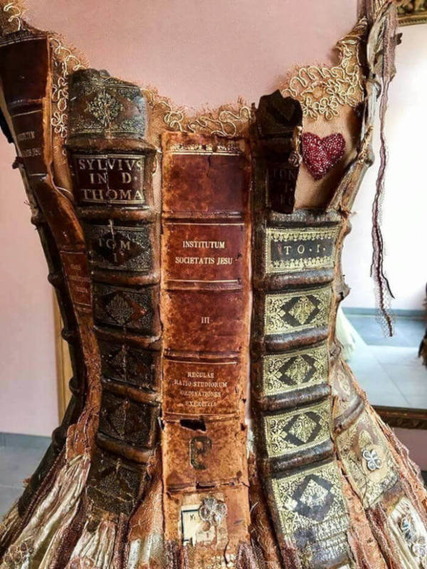 French Designer Creates Unique Dresses From The Spines of Books - 3